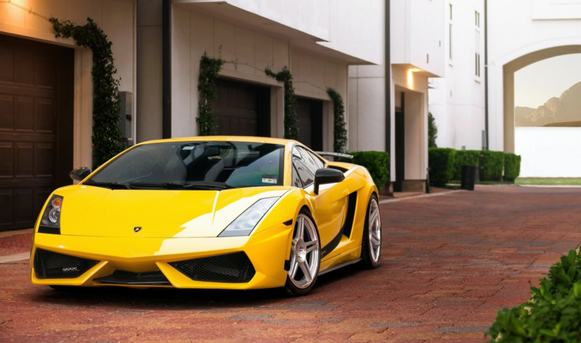 Luxury car auction Australia